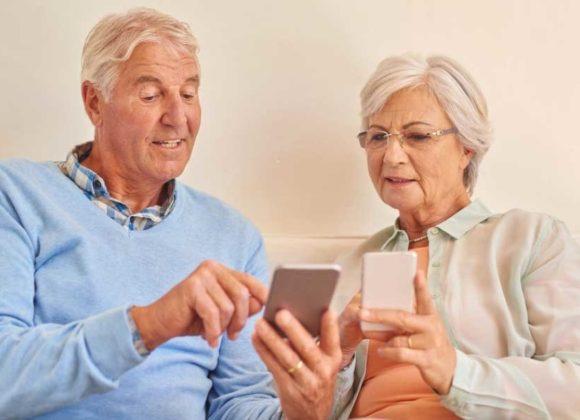 Lo smartphone alleato dell'anziano
